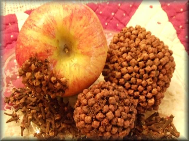 clove apple / clove-apple